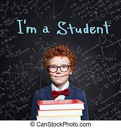 教室, かわいい, 学校, 概念, 男の子, 背中, ショウガの 毛, バックグラウンド。, 本, 黒板, 子を抱く