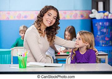教室, 幼稚園, 女の子, 教師