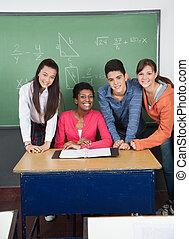 教室, 生徒, ティーンエージャーの, 教師の机