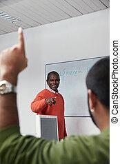 教師, そして, 生徒, 中に, コンピュータクラス