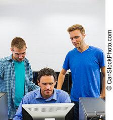 教師, そして, 生徒, 中に, ∥, コンピュータ室