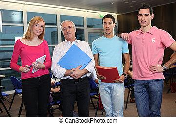 教師, 立った, ∥で∥, 大学, 生徒