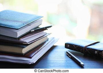 教科書, 山, 窓台