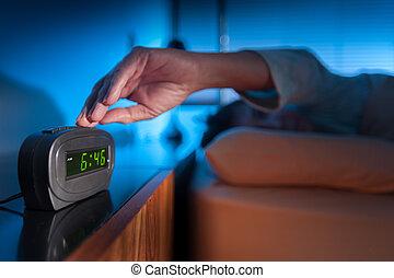 數字的警報鐘, 醒來