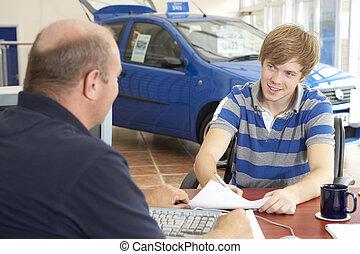 文書工作, 汽車, 年輕, 充滿, 陳列室, 人