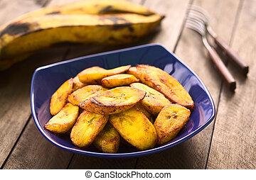 料理用バナナ, 揚げられている, に薄く切る