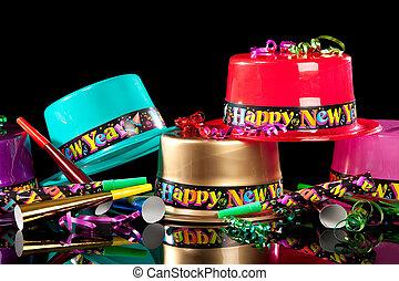 新しい, years\', イブ, パーティー帽子, 上に, 黒い背景