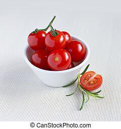 新たに, トマト, さくらんぼ