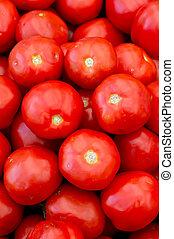 新たに, 赤いトマト