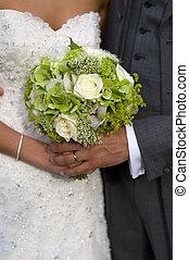 新娘和新郎, 由于, 婚禮花束