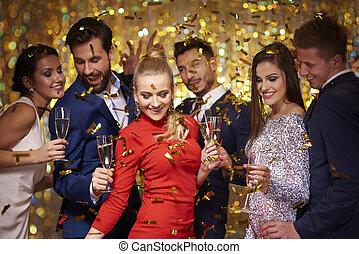 新年聯歡會, 是, 是, 慶祝