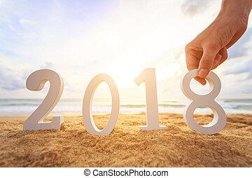 新年, 概念, :, 手 藏品, 以及, 建立, 白色, 木制, 字母表, 2018, 上, the, 傍晚, 海灘。,...