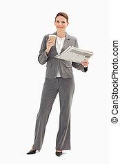新聞, 保有物のコップ, 微笑, 女性実業家