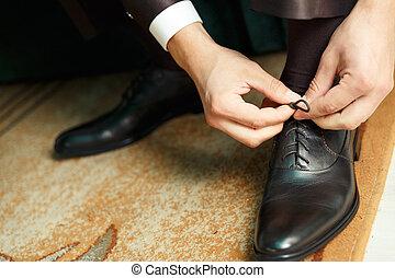 新郎, 衣服, 以及, binds, 鞋子