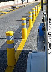 方向, 概念, 分けなさい, 黄色, ポーランド人, 安全, 前方へ, しまのある, 交通, 道