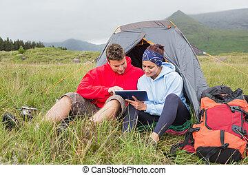 旅行, 恋人, デジタル, キャンプ, 使うこと, タブレット