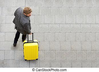 旅行, 男歩行, スーツケース