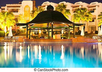 旅館 水池