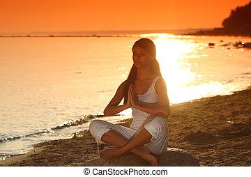 日の出, 海洋, ヨガ
