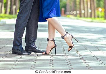 日付, の間, 雄の脚, 女性