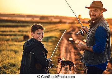 日当たりが良い, 釣り, 接合箇所, day., 暖かい, 成人, 十代, 最初に, 息子, 父