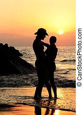 日没のカップル