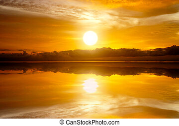 日没の 空, 湖