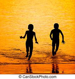 日没, わずかしか, 浜, シルエット, 子供