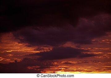 日没, 雲, 赤味がかった