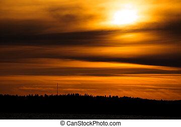日没, fiery, 背景