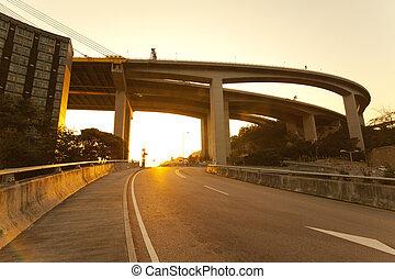 日落, 高速公路