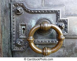 旧式な黄銅, ドアノッカー