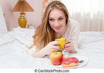 映像, 女, 若い, ベッド, ぐっと近づいて, 朝食, 持つこと, 幸せ