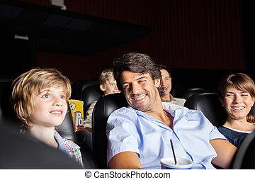 映画, 幸せ, 劇場, 家族, 監視