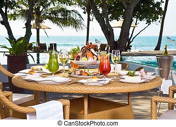 昼食, 海洋, 海岸