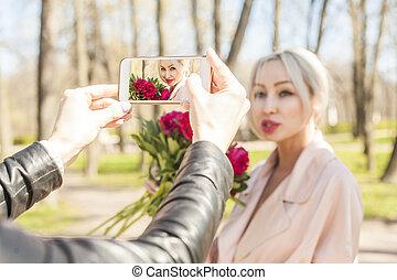 時裝, 在戶外, 肖像, 上, smartphone