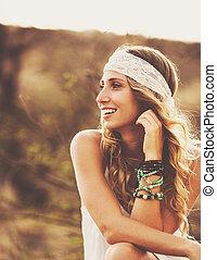 時裝, 肖像, ......的, 美麗, 年輕婦女, backlit, 在, 傍晚