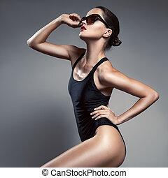 時裝, woman., 比基尼, 以及, sunglasses.