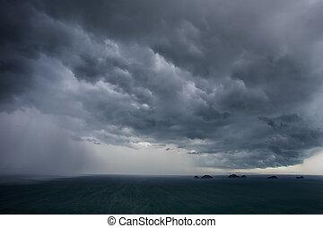 暗い雲, 前に, 雨が降る, 上に, ∥, 海, 中に, タイ