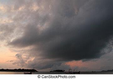 暗い, 嵐雲, 上に, 海, 間, 太陽, 上昇