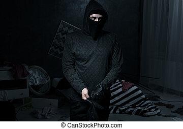 暗室, 泥棒