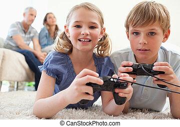暮らし, ビデオゲーム, 兄弟, 背景, 親, ∥(彼・それ)ら∥, 遊び, 遊び好きである, 部屋