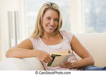 暮らし, 女, 部屋, 本, 微笑, 読書