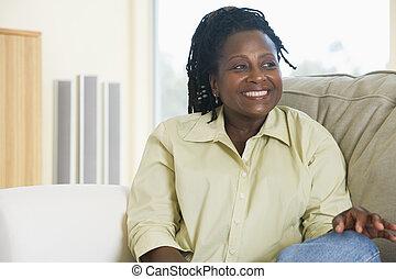暮らし, 微笑の 女性, 部屋, モデル