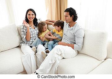 暮らし, 楽しい時を 過すこと, 陽気, 家族 部屋