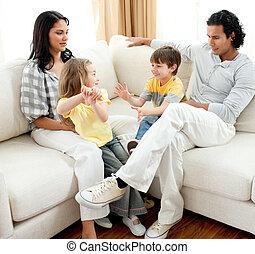 暮らし, 活発, 楽しい時を 過すこと, 家族 部屋