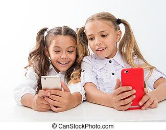 暮らし, 私達, 年齢, デジタル, -, 装置, education., childgren, オンラインで, smartphones., 教育, 子供, faces., 幸せ