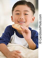 暮らし, 食べること, 部屋, 男の子, 若い, クッキー, 微笑