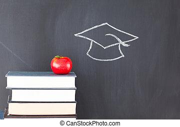 書的堆, 由于, a, 紅色的苹果, 以及, a, 黑板, 由于, a, 畢業帽子, 畫, 上, 它
