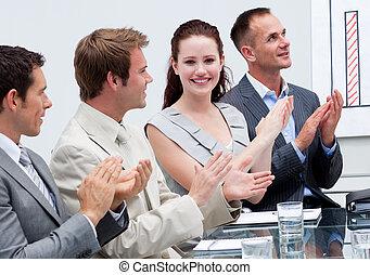 有吸引力, 從事工商業的女性, 鼓掌歡迎, 在, a, 會議